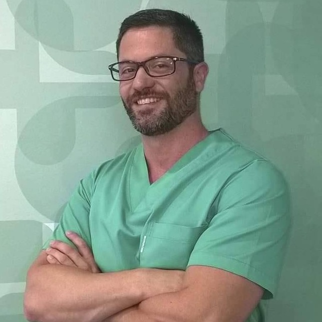 Dr. Daniel Martins